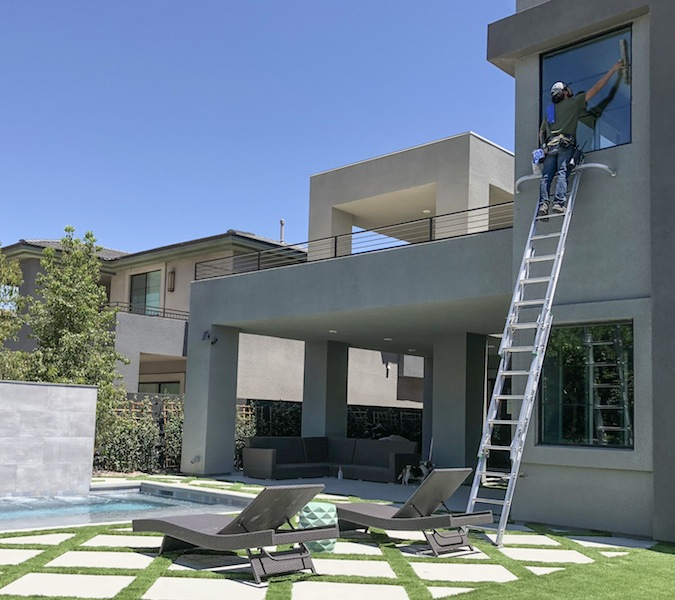 modern-home-window-cleaning-las-vegas