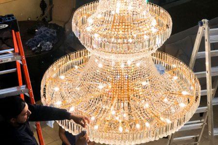 chandelier-cleaning-las-vegas-service
